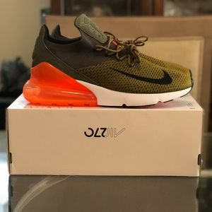 Sold !!!!! Nike Air Max 270 Flyknit
